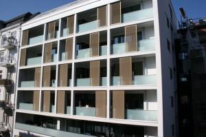 Schiebeläden mit Steckmetall Farbe ähnlich Eloxal  - in Hamburg / Schmuckstrasse - Ecke Talstrasse